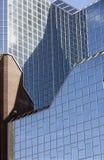 Часть стеклянного фасада головного офиса rabobank в голландском городке ut Стоковая Фотография RF
