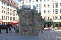 Часть стены вышла после взрыва Дрездена Стоковые Фотографии RF
