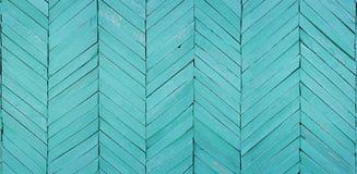 Часть стены дома положена вне деревянной решетиной Стоковые Изображения RF