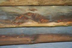 Часть стены сделанной деревянных журналов Стоковые Фотографии RF