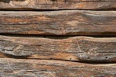 Часть стены сделанной деревянных журналов Стоковая Фотография