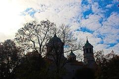 Часть церков St Nicholas в центре Stara Zagora Болгарии осенью ортодоксальности в ноябре стоковое фото rf