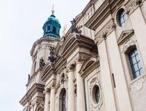 Часть церков St Nicholas расположенная на старой городской площади стоковое изображение rf