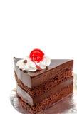 Часть шоколадного торта и вишни Стоковая Фотография RF