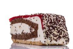 Часть torte сливк вишни при шоколад изолированный на белизне Стоковые Фото
