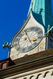 Часы башни церков Fraumunster, Цюриха, Швейцарии Стоковая Фотография