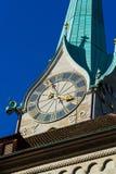 Часы башни церков Fraumunster, Цюриха, Швейцарии Стоковая Фотография RF