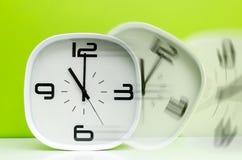 Часы белизны концепции времени Стоковые Фото