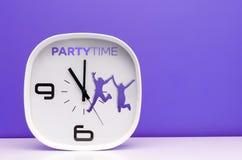 Часы белизны концепции времени Стоковое Изображение RF