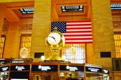 Часы в грандиозном центральном стержне в Нью-Йорке стоковое фото rf