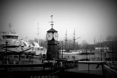 Часы в порте Осло в Норвегии Стоковое Изображение RF