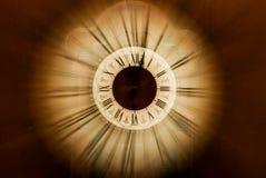 Часы год сбора винограда запачканные внутри стоковые изображения