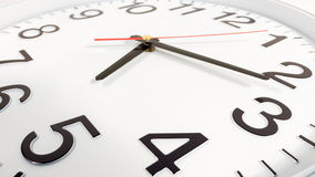 Часы или предпосылка времени абстрактная белые часы с красным цветом и blac Стоковые Изображения RF