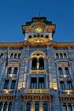 Часы и колокольня вечера прозрения от ратуши Buildi Стоковая Фотография