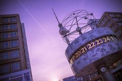 Часы мира Берлина Alexanderplatz, Берлин, Германия Стоковые Фотографии RF