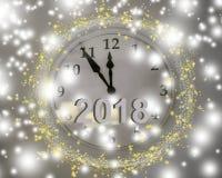Часы на стене белы 5 минут выведенных до новой Стоковое Изображение RF