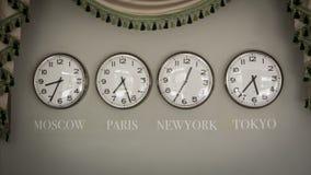 Часы на стене с часовым поясом различной страны стоковое изображение rf