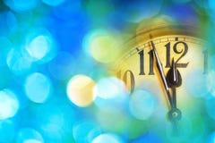 часы Нового Года с голубой предпосылкой Стоковое Изображение
