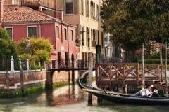 Часы досуга Gondaleer в Венеции, Италии Стоковое Изображение