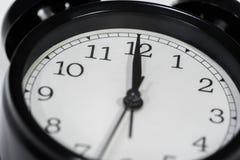Часы показывая в полдень стоковое фото rf