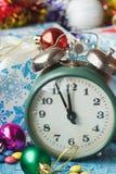 Часы рождества с покрашенными украшениями Стоковое Фото