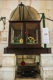 Часы свода Rua Augusta в Лиссабоне Португалии Стоковые Фото
