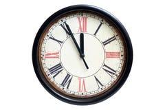 Часы старого стиля классические с римскими номерами показывая почти 12 часов Приурочьте почти веденный или пришл, изолированный н стоковые изображения