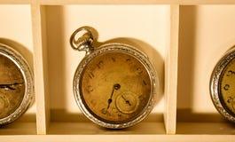 часы старые стоковое фото
