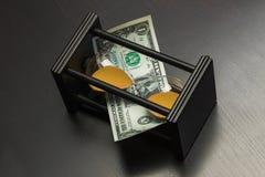 Часы с долларами Стоковое фото RF