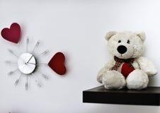 Часы с сердцами на стене Стоковая Фотография RF