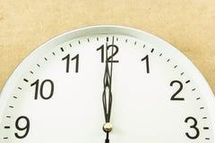 Часы 12 o Стоковые Фотографии RF