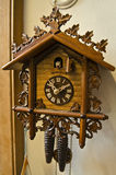 Часы Coocoo Schwarzwald Стоковое Фото