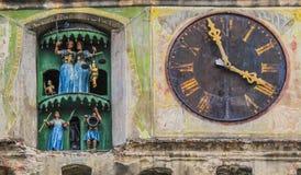 Часы Sighisoara Румынии стоковое изображение rf