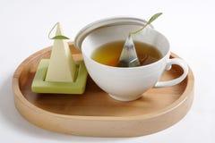 Чашек чаю на подносе Стоковые Фотографии RF