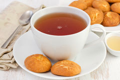 Чашек чаю с печеньями циннамона Стоковые Фото