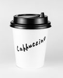 Чашка белой бумаги капучино с ярлыком Стоковые Фото