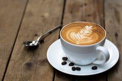 Чашка горячего кофе искусства latte Стоковое Фото