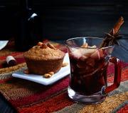 Чашка горячего обдумыванного вина Стоковые Фото