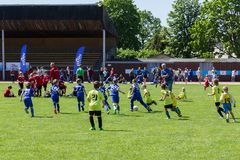 Чашка детей футбола Shitik, в девятнадцатом из мая 2018, в Ozolnieki, Латвия стоковая фотография