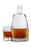 Чашка и бутылка вискиа Стоковые Изображения