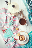 Чашка комплекта эспрессо с handmade керамическими украшениями и Италией Стоковая Фотография