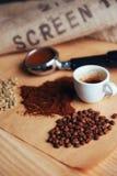 Чашка кофе взгляд сверху и 3 различных разнообразия Стоковое фото RF