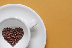 Чашка кофе в форме сердца Стоковая Фотография RF