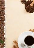 Чашка кофе и пергамент Стоковые Изображения RF