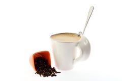 Чашка кофе с зерном молока и семени специй Стоковая Фотография RF