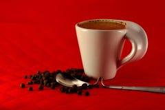 Чашка кофе с зерном молока и семени специй Стоковые Изображения RF