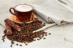 Кофейная чашка с фасолями Стоковые Изображения RF