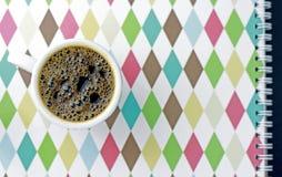 Чашка кофе с предпосылкой Стоковая Фотография RF