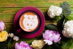 Чашка кофе с семьей панды Стоковое Изображение