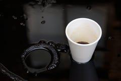 Чашка масла и пластмассы Стоковое Фото